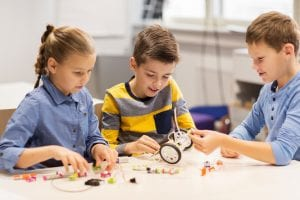 kids learning together in a microschool setting